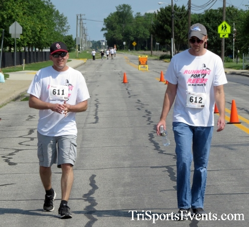 Running for Reese 5K Run/Walk<br><br><br><br><a href='http://www.trisportsevents.com/pics/17_Running_for_Reese_5K_147.JPG' download='17_Running_for_Reese_5K_147.JPG'>Click here to download.</a><Br><a href='http://www.facebook.com/sharer.php?u=http:%2F%2Fwww.trisportsevents.com%2Fpics%2F17_Running_for_Reese_5K_147.JPG&t=Running for Reese 5K Run/Walk' target='_blank'><img src='images/fb_share.png' width='100'></a>