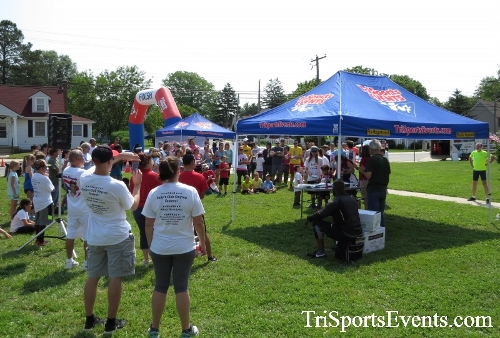 Running for Reese 5K Run/Walk<br><br><br><br><a href='https://www.trisportsevents.com/pics/17_Running_for_Reese_5K_153.JPG' download='17_Running_for_Reese_5K_153.JPG'>Click here to download.</a><Br><a href='http://www.facebook.com/sharer.php?u=http:%2F%2Fwww.trisportsevents.com%2Fpics%2F17_Running_for_Reese_5K_153.JPG&t=Running for Reese 5K Run/Walk' target='_blank'><img src='images/fb_share.png' width='100'></a>