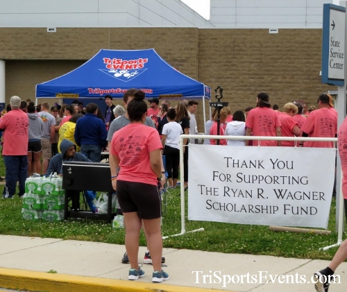 Ryans Race 5K Run/Walk<br><br><br><br><a href='http://www.trisportsevents.com/pics/17_Ryans_Race_5K_005.JPG' download='17_Ryans_Race_5K_005.JPG'>Click here to download.</a><Br><a href='http://www.facebook.com/sharer.php?u=http:%2F%2Fwww.trisportsevents.com%2Fpics%2F17_Ryans_Race_5K_005.JPG&t=Ryans Race 5K Run/Walk' target='_blank'><img src='images/fb_share.png' width='100'></a>