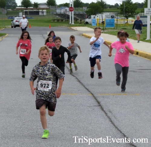 Ryans Race 5K Run/Walk<br><br><br><br><a href='https://www.trisportsevents.com/pics/17_Ryans_Race_5K_007.JPG' download='17_Ryans_Race_5K_007.JPG'>Click here to download.</a><Br><a href='http://www.facebook.com/sharer.php?u=http:%2F%2Fwww.trisportsevents.com%2Fpics%2F17_Ryans_Race_5K_007.JPG&t=Ryans Race 5K Run/Walk' target='_blank'><img src='images/fb_share.png' width='100'></a>