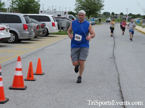 Ryans Race 5K Run/Walk<br><br><br><br><a href='https://www.trisportsevents.com/pics/17_Ryans_Race_5K_151.JPG' download='17_Ryans_Race_5K_151.JPG'>Click here to download.</a><Br><a href='http://www.facebook.com/sharer.php?u=http:%2F%2Fwww.trisportsevents.com%2Fpics%2F17_Ryans_Race_5K_151.JPG&t=Ryans Race 5K Run/Walk' target='_blank'><img src='images/fb_share.png' width='100'></a>