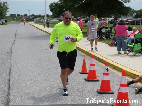 Ryans Race 5K Run/Walk<br><br><br><br><a href='https://www.trisportsevents.com/pics/17_Ryans_Race_5K_188.JPG' download='17_Ryans_Race_5K_188.JPG'>Click here to download.</a><Br><a href='http://www.facebook.com/sharer.php?u=http:%2F%2Fwww.trisportsevents.com%2Fpics%2F17_Ryans_Race_5K_188.JPG&t=Ryans Race 5K Run/Walk' target='_blank'><img src='images/fb_share.png' width='100'></a>