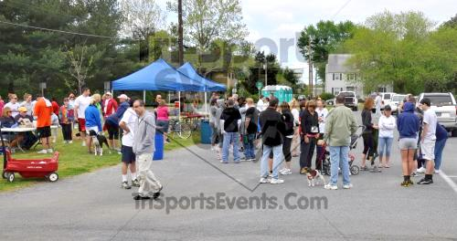 Heart & Sole 5K Run/Walk<br><br><br><br><a href='http://www.trisportsevents.com/pics/2011_Heart_&_Sole_5K_001.JPG' download='2011_Heart_&_Sole_5K_001.JPG'>Click here to download.</a><Br><a href='http://www.facebook.com/sharer.php?u=http:%2F%2Fwww.trisportsevents.com%2Fpics%2F2011_Heart_&_Sole_5K_001.JPG&t=Heart & Sole 5K Run/Walk' target='_blank'><img src='images/fb_share.png' width='100'></a>