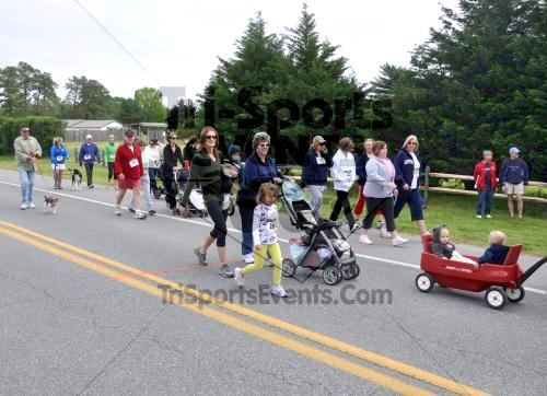 Heart & Sole 5K Run/Walk<br><br><br><br><a href='http://www.trisportsevents.com/pics/2011_Heart_&_Sole_5K_009.JPG' download='2011_Heart_&_Sole_5K_009.JPG'>Click here to download.</a><Br><a href='http://www.facebook.com/sharer.php?u=http:%2F%2Fwww.trisportsevents.com%2Fpics%2F2011_Heart_&_Sole_5K_009.JPG&t=Heart & Sole 5K Run/Walk' target='_blank'><img src='images/fb_share.png' width='100'></a>