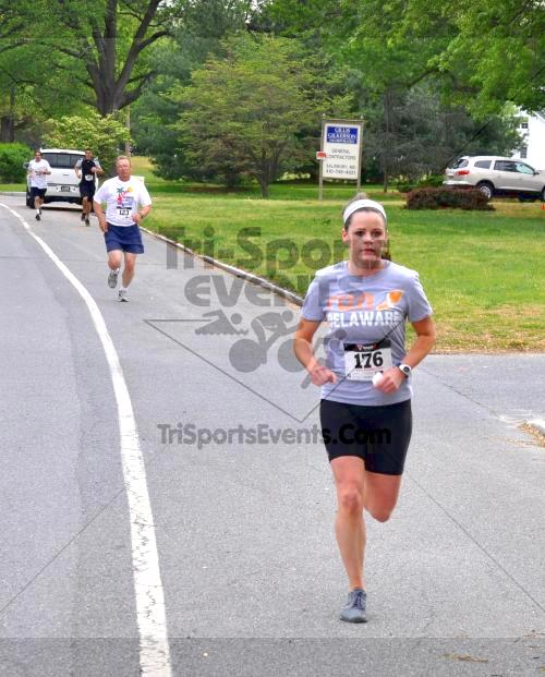 Heart & Sole 5K Run/Walk<br><br><br><br><a href='http://www.trisportsevents.com/pics/2011_Heart_&_Sole_5K_014.JPG' download='2011_Heart_&_Sole_5K_014.JPG'>Click here to download.</a><Br><a href='http://www.facebook.com/sharer.php?u=http:%2F%2Fwww.trisportsevents.com%2Fpics%2F2011_Heart_&_Sole_5K_014.JPG&t=Heart & Sole 5K Run/Walk' target='_blank'><img src='images/fb_share.png' width='100'></a>