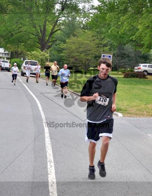 Heart & Sole 5K Run/Walk<br><br><br><br><a href='http://www.trisportsevents.com/pics/2011_Heart_&_Sole_5K_019.JPG' download='2011_Heart_&_Sole_5K_019.JPG'>Click here to download.</a><Br><a href='http://www.facebook.com/sharer.php?u=http:%2F%2Fwww.trisportsevents.com%2Fpics%2F2011_Heart_&_Sole_5K_019.JPG&t=Heart & Sole 5K Run/Walk' target='_blank'><img src='images/fb_share.png' width='100'></a>