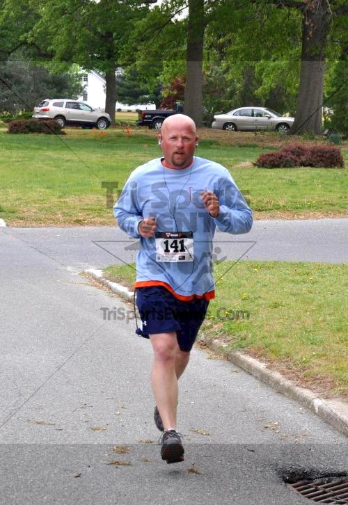 Heart & Sole 5K Run/Walk<br><br><br><br><a href='http://www.trisportsevents.com/pics/2011_Heart_&_Sole_5K_020.JPG' download='2011_Heart_&_Sole_5K_020.JPG'>Click here to download.</a><Br><a href='http://www.facebook.com/sharer.php?u=http:%2F%2Fwww.trisportsevents.com%2Fpics%2F2011_Heart_&_Sole_5K_020.JPG&t=Heart & Sole 5K Run/Walk' target='_blank'><img src='images/fb_share.png' width='100'></a>