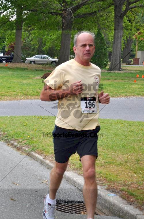 Heart & Sole 5K Run/Walk<br><br><br><br><a href='http://www.trisportsevents.com/pics/2011_Heart_&_Sole_5K_021_-_Copy.JPG' download='2011_Heart_&_Sole_5K_021_-_Copy.JPG'>Click here to download.</a><Br><a href='http://www.facebook.com/sharer.php?u=http:%2F%2Fwww.trisportsevents.com%2Fpics%2F2011_Heart_&_Sole_5K_021_-_Copy.JPG&t=Heart & Sole 5K Run/Walk' target='_blank'><img src='images/fb_share.png' width='100'></a>
