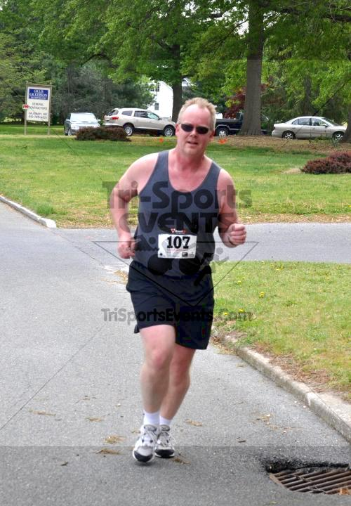 Heart & Sole 5K Run/Walk<br><br><br><br><a href='http://www.trisportsevents.com/pics/2011_Heart_&_Sole_5K_039.JPG' download='2011_Heart_&_Sole_5K_039.JPG'>Click here to download.</a><Br><a href='http://www.facebook.com/sharer.php?u=http:%2F%2Fwww.trisportsevents.com%2Fpics%2F2011_Heart_&_Sole_5K_039.JPG&t=Heart & Sole 5K Run/Walk' target='_blank'><img src='images/fb_share.png' width='100'></a>