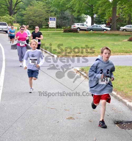 Heart & Sole 5K Run/Walk<br><br><br><br><a href='http://www.trisportsevents.com/pics/2011_Heart_&_Sole_5K_043.JPG' download='2011_Heart_&_Sole_5K_043.JPG'>Click here to download.</a><Br><a href='http://www.facebook.com/sharer.php?u=http:%2F%2Fwww.trisportsevents.com%2Fpics%2F2011_Heart_&_Sole_5K_043.JPG&t=Heart & Sole 5K Run/Walk' target='_blank'><img src='images/fb_share.png' width='100'></a>
