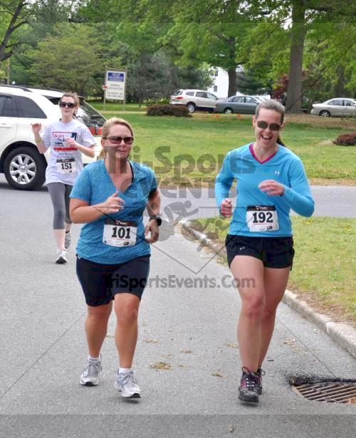 Heart & Sole 5K Run/Walk<br><br><br><br><a href='http://www.trisportsevents.com/pics/2011_Heart_&_Sole_5K_047.JPG' download='2011_Heart_&_Sole_5K_047.JPG'>Click here to download.</a><Br><a href='http://www.facebook.com/sharer.php?u=http:%2F%2Fwww.trisportsevents.com%2Fpics%2F2011_Heart_&_Sole_5K_047.JPG&t=Heart & Sole 5K Run/Walk' target='_blank'><img src='images/fb_share.png' width='100'></a>