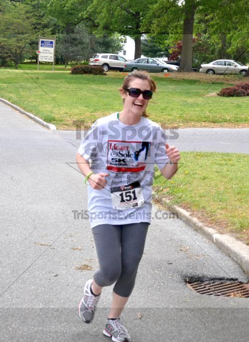 Heart & Sole 5K Run/Walk<br><br><br><br><a href='http://www.trisportsevents.com/pics/2011_Heart_&_Sole_5K_048.JPG' download='2011_Heart_&_Sole_5K_048.JPG'>Click here to download.</a><Br><a href='http://www.facebook.com/sharer.php?u=http:%2F%2Fwww.trisportsevents.com%2Fpics%2F2011_Heart_&_Sole_5K_048.JPG&t=Heart & Sole 5K Run/Walk' target='_blank'><img src='images/fb_share.png' width='100'></a>