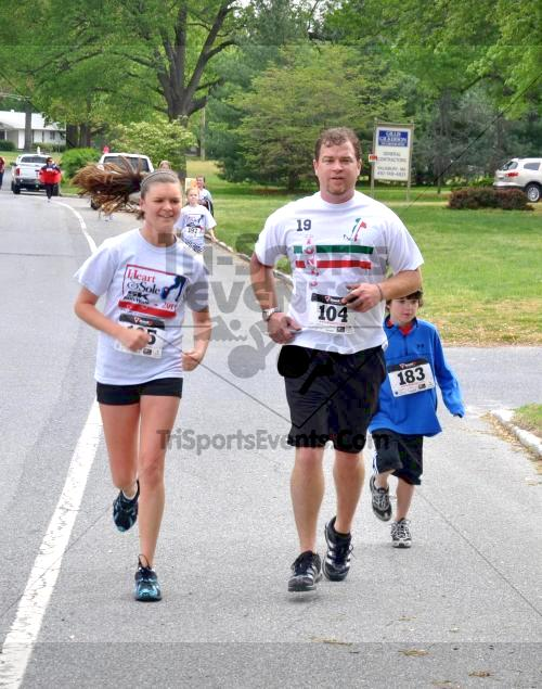 Heart & Sole 5K Run/Walk<br><br><br><br><a href='http://www.trisportsevents.com/pics/2011_Heart_&_Sole_5K_050.JPG' download='2011_Heart_&_Sole_5K_050.JPG'>Click here to download.</a><Br><a href='http://www.facebook.com/sharer.php?u=http:%2F%2Fwww.trisportsevents.com%2Fpics%2F2011_Heart_&_Sole_5K_050.JPG&t=Heart & Sole 5K Run/Walk' target='_blank'><img src='images/fb_share.png' width='100'></a>