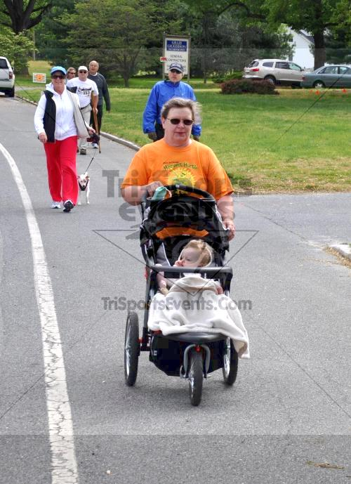Heart & Sole 5K Run/Walk<br><br><br><br><a href='http://www.trisportsevents.com/pics/2011_Heart_&_Sole_5K_059.JPG' download='2011_Heart_&_Sole_5K_059.JPG'>Click here to download.</a><Br><a href='http://www.facebook.com/sharer.php?u=http:%2F%2Fwww.trisportsevents.com%2Fpics%2F2011_Heart_&_Sole_5K_059.JPG&t=Heart & Sole 5K Run/Walk' target='_blank'><img src='images/fb_share.png' width='100'></a>