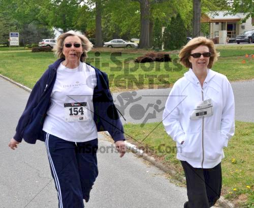 Heart & Sole 5K Run/Walk<br><br><br><br><a href='http://www.trisportsevents.com/pics/2011_Heart_&_Sole_5K_067.JPG' download='2011_Heart_&_Sole_5K_067.JPG'>Click here to download.</a><Br><a href='http://www.facebook.com/sharer.php?u=http:%2F%2Fwww.trisportsevents.com%2Fpics%2F2011_Heart_&_Sole_5K_067.JPG&t=Heart & Sole 5K Run/Walk' target='_blank'><img src='images/fb_share.png' width='100'></a>