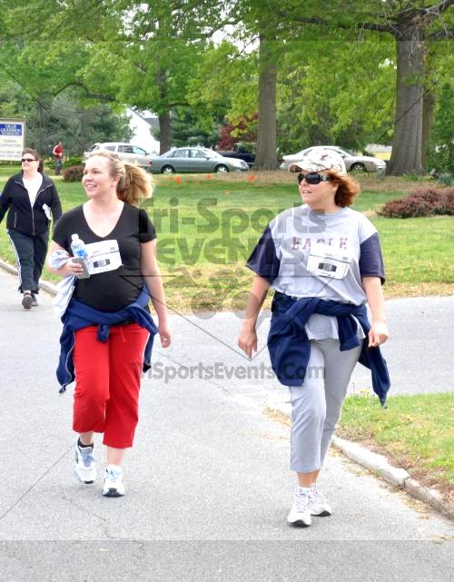 Heart & Sole 5K Run/Walk<br><br><br><br><a href='http://www.trisportsevents.com/pics/2011_Heart_&_Sole_5K_068.JPG' download='2011_Heart_&_Sole_5K_068.JPG'>Click here to download.</a><Br><a href='http://www.facebook.com/sharer.php?u=http:%2F%2Fwww.trisportsevents.com%2Fpics%2F2011_Heart_&_Sole_5K_068.JPG&t=Heart & Sole 5K Run/Walk' target='_blank'><img src='images/fb_share.png' width='100'></a>