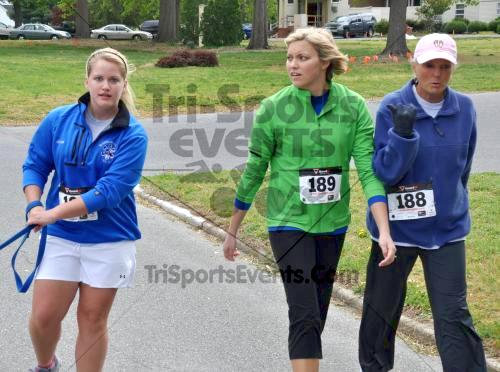 Heart & Sole 5K Run/Walk<br><br><br><br><a href='http://www.trisportsevents.com/pics/2011_Heart_&_Sole_5K_069.JPG' download='2011_Heart_&_Sole_5K_069.JPG'>Click here to download.</a><Br><a href='http://www.facebook.com/sharer.php?u=http:%2F%2Fwww.trisportsevents.com%2Fpics%2F2011_Heart_&_Sole_5K_069.JPG&t=Heart & Sole 5K Run/Walk' target='_blank'><img src='images/fb_share.png' width='100'></a>