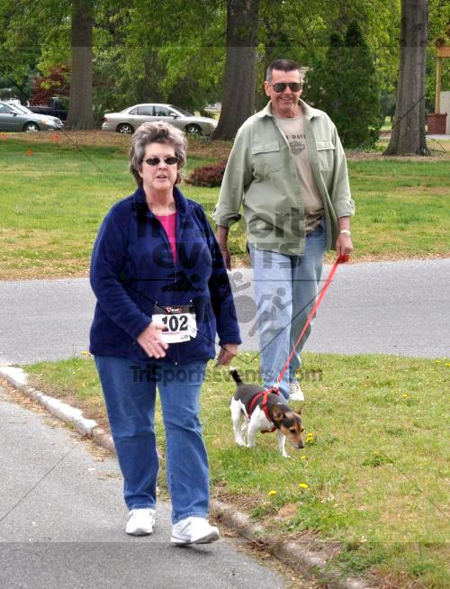 Heart & Sole 5K Run/Walk<br><br><br><br><a href='http://www.trisportsevents.com/pics/2011_Heart_&_Sole_5K_072.JPG' download='2011_Heart_&_Sole_5K_072.JPG'>Click here to download.</a><Br><a href='http://www.facebook.com/sharer.php?u=http:%2F%2Fwww.trisportsevents.com%2Fpics%2F2011_Heart_&_Sole_5K_072.JPG&t=Heart & Sole 5K Run/Walk' target='_blank'><img src='images/fb_share.png' width='100'></a>