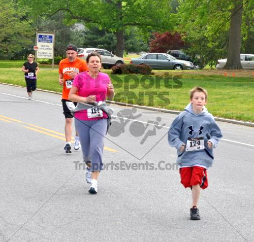 Heart & Sole 5K Run/Walk<br><br><br><br><a href='http://www.trisportsevents.com/pics/2011_Heart_&_Sole_5K_077.JPG' download='2011_Heart_&_Sole_5K_077.JPG'>Click here to download.</a><Br><a href='http://www.facebook.com/sharer.php?u=http:%2F%2Fwww.trisportsevents.com%2Fpics%2F2011_Heart_&_Sole_5K_077.JPG&t=Heart & Sole 5K Run/Walk' target='_blank'><img src='images/fb_share.png' width='100'></a>