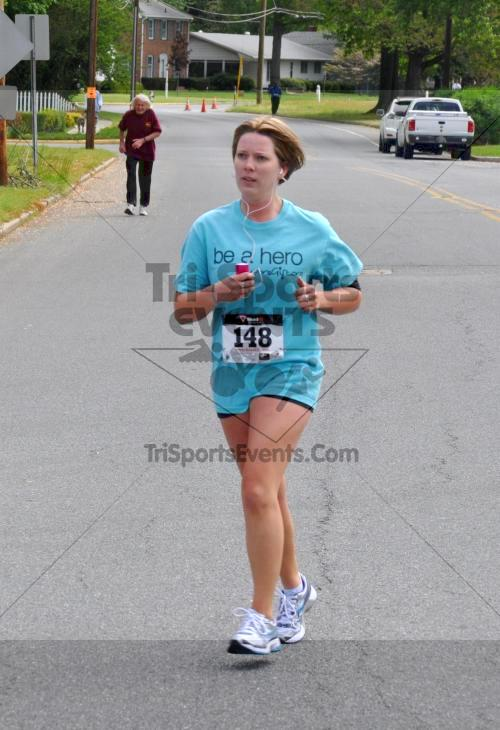 Heart & Sole 5K Run/Walk<br><br><br><br><a href='http://www.trisportsevents.com/pics/2011_Heart_&_Sole_5K_085.JPG' download='2011_Heart_&_Sole_5K_085.JPG'>Click here to download.</a><Br><a href='http://www.facebook.com/sharer.php?u=http:%2F%2Fwww.trisportsevents.com%2Fpics%2F2011_Heart_&_Sole_5K_085.JPG&t=Heart & Sole 5K Run/Walk' target='_blank'><img src='images/fb_share.png' width='100'></a>