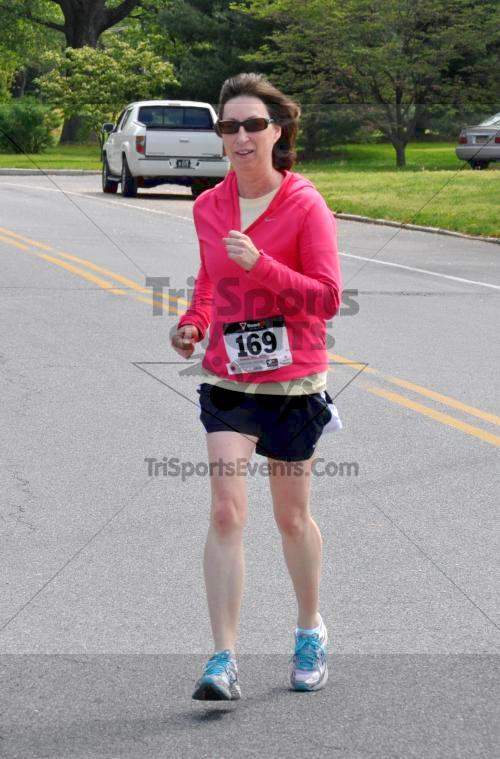Heart & Sole 5K Run/Walk<br><br><br><br><a href='http://www.trisportsevents.com/pics/2011_Heart_&_Sole_5K_088.JPG' download='2011_Heart_&_Sole_5K_088.JPG'>Click here to download.</a><Br><a href='http://www.facebook.com/sharer.php?u=http:%2F%2Fwww.trisportsevents.com%2Fpics%2F2011_Heart_&_Sole_5K_088.JPG&t=Heart & Sole 5K Run/Walk' target='_blank'><img src='images/fb_share.png' width='100'></a>