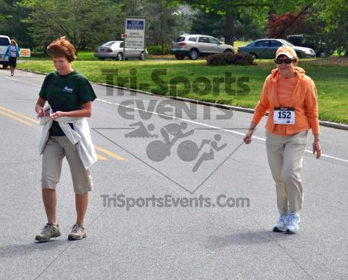 Heart & Sole 5K Run/Walk<br><br><br><br><a href='http://www.trisportsevents.com/pics/2011_Heart_&_Sole_5K_090.JPG' download='2011_Heart_&_Sole_5K_090.JPG'>Click here to download.</a><Br><a href='http://www.facebook.com/sharer.php?u=http:%2F%2Fwww.trisportsevents.com%2Fpics%2F2011_Heart_&_Sole_5K_090.JPG&t=Heart & Sole 5K Run/Walk' target='_blank'><img src='images/fb_share.png' width='100'></a>