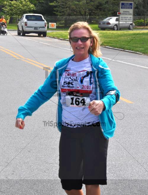 Heart & Sole 5K Run/Walk<br><br><br><br><a href='http://www.trisportsevents.com/pics/2011_Heart_&_Sole_5K_091.JPG' download='2011_Heart_&_Sole_5K_091.JPG'>Click here to download.</a><Br><a href='http://www.facebook.com/sharer.php?u=http:%2F%2Fwww.trisportsevents.com%2Fpics%2F2011_Heart_&_Sole_5K_091.JPG&t=Heart & Sole 5K Run/Walk' target='_blank'><img src='images/fb_share.png' width='100'></a>