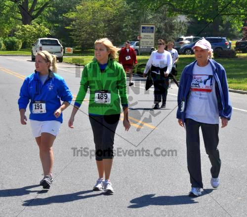 Heart & Sole 5K Run/Walk<br><br><br><br><a href='http://www.trisportsevents.com/pics/2011_Heart_&_Sole_5K_094.JPG' download='2011_Heart_&_Sole_5K_094.JPG'>Click here to download.</a><Br><a href='http://www.facebook.com/sharer.php?u=http:%2F%2Fwww.trisportsevents.com%2Fpics%2F2011_Heart_&_Sole_5K_094.JPG&t=Heart & Sole 5K Run/Walk' target='_blank'><img src='images/fb_share.png' width='100'></a>