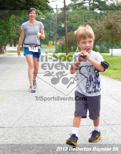 Betterton Bayside 5K Run/Walk<br><br><br><br><a href='https://www.trisportsevents.com/pics/Betterton_Bayside_5K_8-3-13_008.JPG' download='Betterton_Bayside_5K_8-3-13_008.JPG'>Click here to download.</a><Br><a href='http://www.facebook.com/sharer.php?u=http:%2F%2Fwww.trisportsevents.com%2Fpics%2FBetterton_Bayside_5K_8-3-13_008.JPG&t=Betterton Bayside 5K Run/Walk' target='_blank'><img src='images/fb_share.png' width='100'></a>