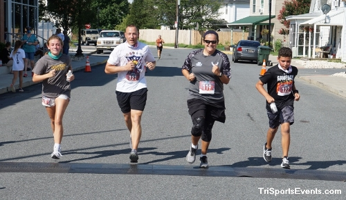 Clayton Fire Company Running Hot 5k Run/Walk<br><br><br><br><a href='https://www.trisportsevents.com/pics/DSC00673.JPG' download='DSC00673.JPG'>Click here to download.</a><Br><a href='http://www.facebook.com/sharer.php?u=http:%2F%2Fwww.trisportsevents.com%2Fpics%2FDSC00673.JPG&t=Clayton Fire Company Running Hot 5k Run/Walk' target='_blank'><img src='images/fb_share.png' width='100'></a>
