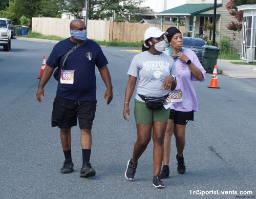 Clayton Fire Company Running Hot 5k Run/Walk<br><br><br><br><a href='https://www.trisportsevents.com/pics/DSC00754_001.JPG' download='DSC00754_001.JPG'>Click here to download.</a><Br><a href='http://www.facebook.com/sharer.php?u=http:%2F%2Fwww.trisportsevents.com%2Fpics%2FDSC00754_001.JPG&t=Clayton Fire Company Running Hot 5k Run/Walk' target='_blank'><img src='images/fb_share.png' width='100'></a>