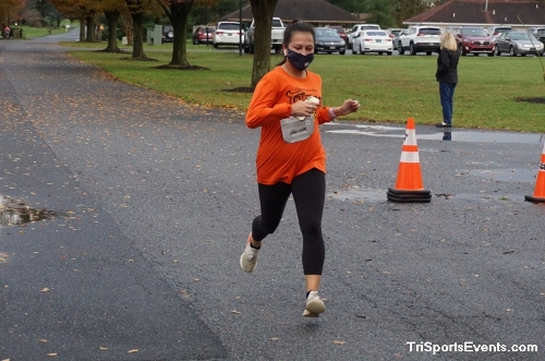 Turkey Day 5K Run/Walk<br><br><br><br><a href='https://www.trisportsevents.com/pics/DSC01526.JPG' download='DSC01526.JPG'>Click here to download.</a><Br><a href='http://www.facebook.com/sharer.php?u=http:%2F%2Fwww.trisportsevents.com%2Fpics%2FDSC01526.JPG&t=Turkey Day 5K Run/Walk' target='_blank'><img src='images/fb_share.png' width='100'></a>
