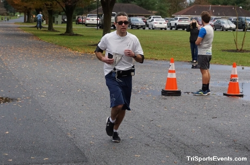 Turkey Day 5K Run/Walk<br><br><br><br><a href='https://www.trisportsevents.com/pics/DSC01533.JPG' download='DSC01533.JPG'>Click here to download.</a><Br><a href='http://www.facebook.com/sharer.php?u=http:%2F%2Fwww.trisportsevents.com%2Fpics%2FDSC01533.JPG&t=Turkey Day 5K Run/Walk' target='_blank'><img src='images/fb_share.png' width='100'></a>