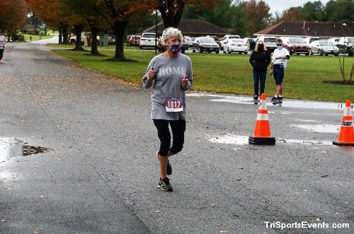 Turkey Day 5K Run/Walk<br><br><br><br><a href='https://www.trisportsevents.com/pics/DSC01553.JPG' download='DSC01553.JPG'>Click here to download.</a><Br><a href='http://www.facebook.com/sharer.php?u=http:%2F%2Fwww.trisportsevents.com%2Fpics%2FDSC01553.JPG&t=Turkey Day 5K Run/Walk' target='_blank'><img src='images/fb_share.png' width='100'></a>