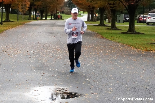 Turkey Day 5K Run/Walk<br><br><br><br><a href='https://www.trisportsevents.com/pics/DSC01556.JPG' download='DSC01556.JPG'>Click here to download.</a><Br><a href='http://www.facebook.com/sharer.php?u=http:%2F%2Fwww.trisportsevents.com%2Fpics%2FDSC01556.JPG&t=Turkey Day 5K Run/Walk' target='_blank'><img src='images/fb_share.png' width='100'></a>
