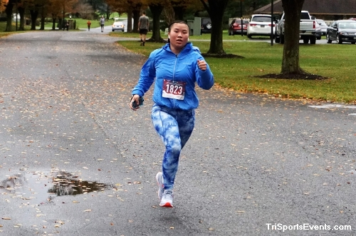Turkey Day 5K Run/Walk<br><br><br><br><a href='https://www.trisportsevents.com/pics/DSC01573.JPG' download='DSC01573.JPG'>Click here to download.</a><Br><a href='http://www.facebook.com/sharer.php?u=http:%2F%2Fwww.trisportsevents.com%2Fpics%2FDSC01573.JPG&t=Turkey Day 5K Run/Walk' target='_blank'><img src='images/fb_share.png' width='100'></a>