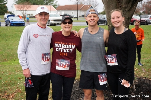 Turkey Day 5K Run/Walk<br><br><br><br><a href='https://www.trisportsevents.com/pics/DSC01604.JPG' download='DSC01604.JPG'>Click here to download.</a><Br><a href='http://www.facebook.com/sharer.php?u=http:%2F%2Fwww.trisportsevents.com%2Fpics%2FDSC01604.JPG&t=Turkey Day 5K Run/Walk' target='_blank'><img src='images/fb_share.png' width='100'></a>