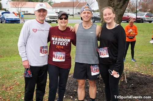 Turkey Day 5K Run/Walk<br><br><br><br><a href='https://www.trisportsevents.com/pics/DSC01605.JPG' download='DSC01605.JPG'>Click here to download.</a><Br><a href='http://www.facebook.com/sharer.php?u=http:%2F%2Fwww.trisportsevents.com%2Fpics%2FDSC01605.JPG&t=Turkey Day 5K Run/Walk' target='_blank'><img src='images/fb_share.png' width='100'></a>