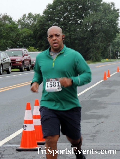Hornet Hustle 5K Run/Walk<br><br><br><br><a href='http://www.trisportsevents.com/pics/DSCN0048.JPG' download='DSCN0048.JPG'>Click here to download.</a><Br><a href='http://www.facebook.com/sharer.php?u=http:%2F%2Fwww.trisportsevents.com%2Fpics%2FDSCN0048.JPG&t=Hornet Hustle 5K Run/Walk' target='_blank'><img src='images/fb_share.png' width='100'></a>