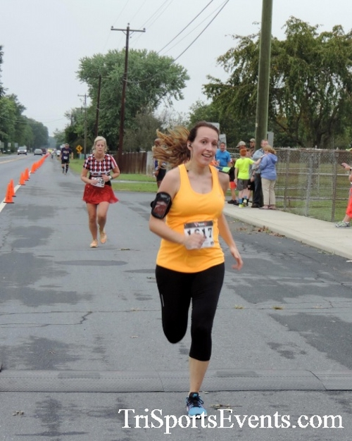 Hornet Hustle 5K Run/Walk<br><br><br><br><a href='http://www.trisportsevents.com/pics/DSCN0057.JPG' download='DSCN0057.JPG'>Click here to download.</a><Br><a href='http://www.facebook.com/sharer.php?u=http:%2F%2Fwww.trisportsevents.com%2Fpics%2FDSCN0057.JPG&t=Hornet Hustle 5K Run/Walk' target='_blank'><img src='images/fb_share.png' width='100'></a>