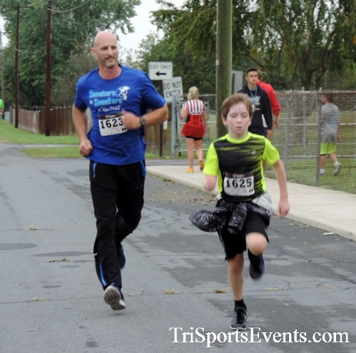 Hornet Hustle 5K Run/Walk<br><br><br><br><a href='http://www.trisportsevents.com/pics/DSCN0066.JPG' download='DSCN0066.JPG'>Click here to download.</a><Br><a href='http://www.facebook.com/sharer.php?u=http:%2F%2Fwww.trisportsevents.com%2Fpics%2FDSCN0066.JPG&t=Hornet Hustle 5K Run/Walk' target='_blank'><img src='images/fb_share.png' width='100'></a>