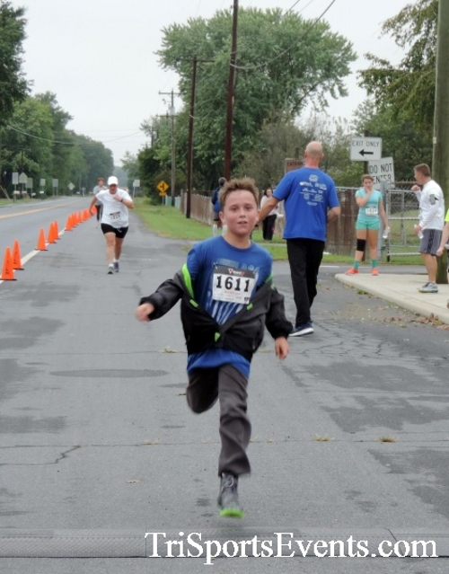 Hornet Hustle 5K Run/Walk<br><br><br><br><a href='http://www.trisportsevents.com/pics/DSCN0071.JPG' download='DSCN0071.JPG'>Click here to download.</a><Br><a href='http://www.facebook.com/sharer.php?u=http:%2F%2Fwww.trisportsevents.com%2Fpics%2FDSCN0071.JPG&t=Hornet Hustle 5K Run/Walk' target='_blank'><img src='images/fb_share.png' width='100'></a>