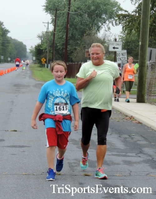Hornet Hustle 5K Run/Walk<br><br><br><br><a href='https://www.trisportsevents.com/pics/DSCN0087.JPG' download='DSCN0087.JPG'>Click here to download.</a><Br><a href='http://www.facebook.com/sharer.php?u=http:%2F%2Fwww.trisportsevents.com%2Fpics%2FDSCN0087.JPG&t=Hornet Hustle 5K Run/Walk' target='_blank'><img src='images/fb_share.png' width='100'></a>