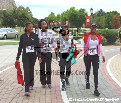 Hornet Hustle 5K Run/Walk<br><br><br><br><a href='http://www.trisportsevents.com/pics/DSCN0159.JPG' download='DSCN0159.JPG'>Click here to download.</a><Br><a href='http://www.facebook.com/sharer.php?u=http:%2F%2Fwww.trisportsevents.com%2Fpics%2FDSCN0159.JPG&t=Hornet Hustle 5K Run/Walk' target='_blank'><img src='images/fb_share.png' width='100'></a>
