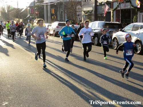 Run Like The Dickens 5K Run/Walk<br><br><br><br><a href='https://www.trisportsevents.com/pics/IMG_0016_4037783.JPG' download='IMG_0016_4037783.JPG'>Click here to download.</a><Br><a href='http://www.facebook.com/sharer.php?u=http:%2F%2Fwww.trisportsevents.com%2Fpics%2FIMG_0016_4037783.JPG&t=Run Like The Dickens 5K Run/Walk' target='_blank'><img src='images/fb_share.png' width='100'></a>