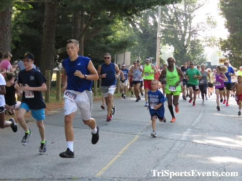 Freedom 5K Ran/Walk<br><br><br><br><a href='https://www.trisportsevents.com/pics/IMG_0017_45786073.JPG' download='IMG_0017_45786073.JPG'>Click here to download.</a><Br><a href='http://www.facebook.com/sharer.php?u=http:%2F%2Fwww.trisportsevents.com%2Fpics%2FIMG_0017_45786073.JPG&t=Freedom 5K Ran/Walk' target='_blank'><img src='images/fb_share.png' width='100'></a>