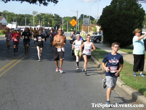 COPS & Robbers 5K Run/Walk- Dover FOP & Police Athletic League<br><br><br><br><a href='http://www.trisportsevents.com/pics/IMG_0019_77047571.JPG' download='IMG_0019_77047571.JPG'>Click here to download.</a><Br><a href='http://www.facebook.com/sharer.php?u=http:%2F%2Fwww.trisportsevents.com%2Fpics%2FIMG_0019_77047571.JPG&t=COPS & Robbers 5K Run/Walk- Dover FOP & Police Athletic League' target='_blank'><img src='images/fb_share.png' width='100'></a>