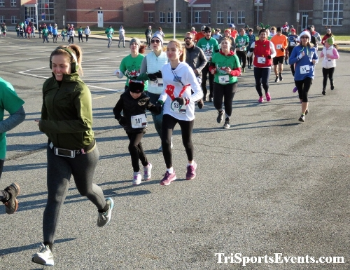 10 Annual Grinch Gallop 5K Run/Walk<br><br><br><br><a href='http://www.trisportsevents.com/pics/IMG_0021_64187191.JPG' download='IMG_0021_64187191.JPG'>Click here to download.</a><Br><a href='http://www.facebook.com/sharer.php?u=http:%2F%2Fwww.trisportsevents.com%2Fpics%2FIMG_0021_64187191.JPG&t=10 Annual Grinch Gallop 5K Run/Walk' target='_blank'><img src='images/fb_share.png' width='100'></a>