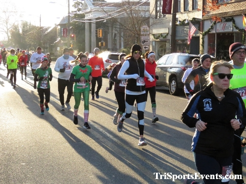 Run Like The Dickens 5K Run/Walk<br><br><br><br><a href='https://www.trisportsevents.com/pics/IMG_0022_567058.JPG' download='IMG_0022_567058.JPG'>Click here to download.</a><Br><a href='http://www.facebook.com/sharer.php?u=http:%2F%2Fwww.trisportsevents.com%2Fpics%2FIMG_0022_567058.JPG&t=Run Like The Dickens 5K Run/Walk' target='_blank'><img src='images/fb_share.png' width='100'></a>