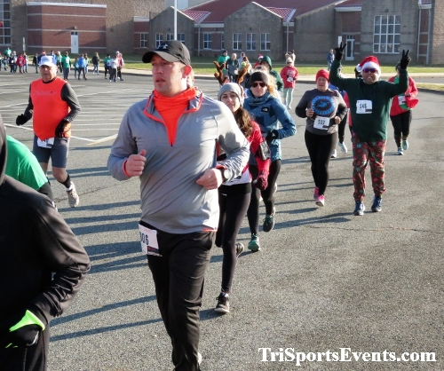 10 Annual Grinch Gallop 5K Run/Walk<br><br><br><br><a href='https://www.trisportsevents.com/pics/IMG_0025_59699894.JPG' download='IMG_0025_59699894.JPG'>Click here to download.</a><Br><a href='http://www.facebook.com/sharer.php?u=http:%2F%2Fwww.trisportsevents.com%2Fpics%2FIMG_0025_59699894.JPG&t=10 Annual Grinch Gallop 5K Run/Walk' target='_blank'><img src='images/fb_share.png' width='100'></a>